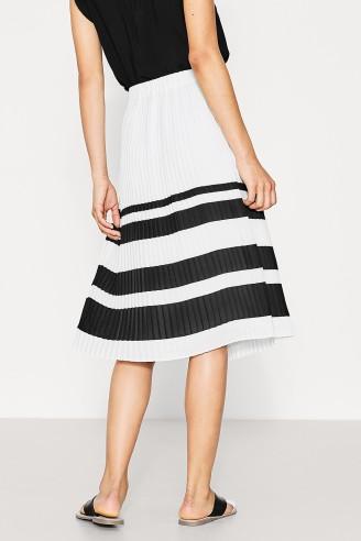 Pleated skirt in fine crêpe esprit